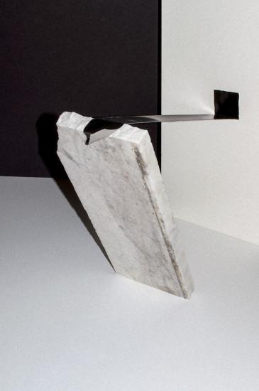 tomb lean